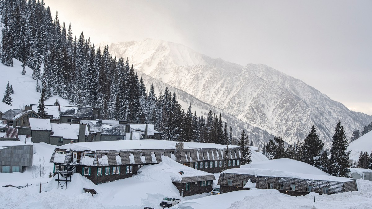 Avalanches Shut Down Utah Resorts for 52 Hours