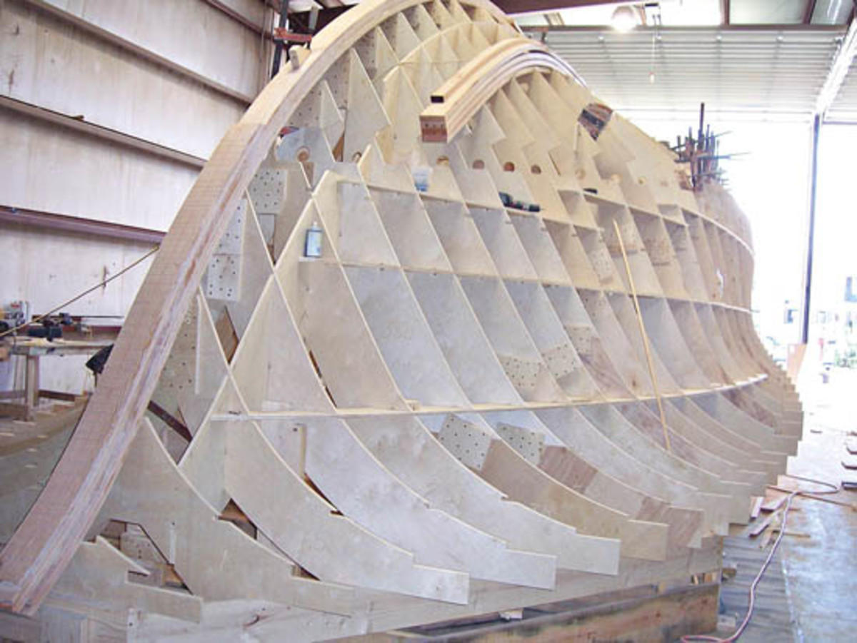 Cold Molded Carolina Boats Power Amp Motoryacht