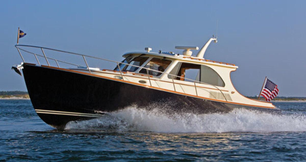 Hinckley Talaria 43 Power Amp Motoryacht