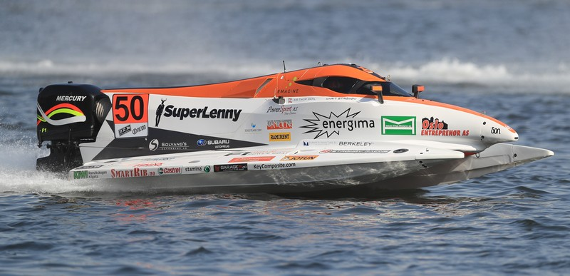 Marit hits the right note in F1H2o practice