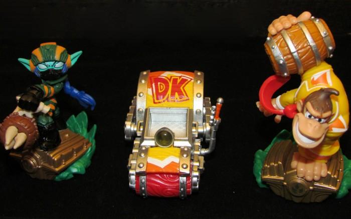 Skylanders super chargers figures