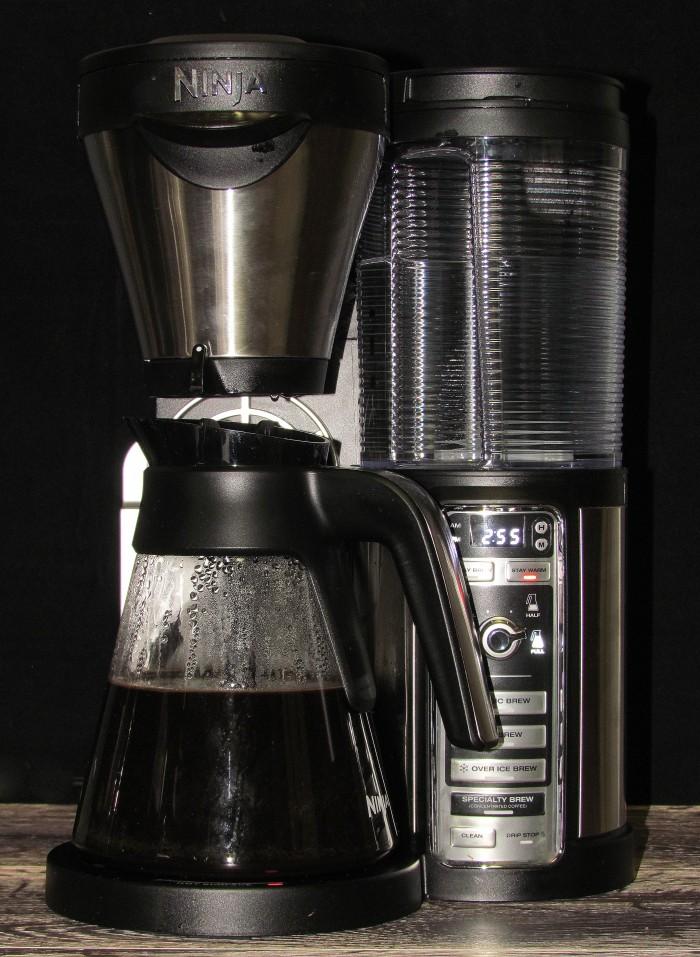 Ninja coffee bar with pot