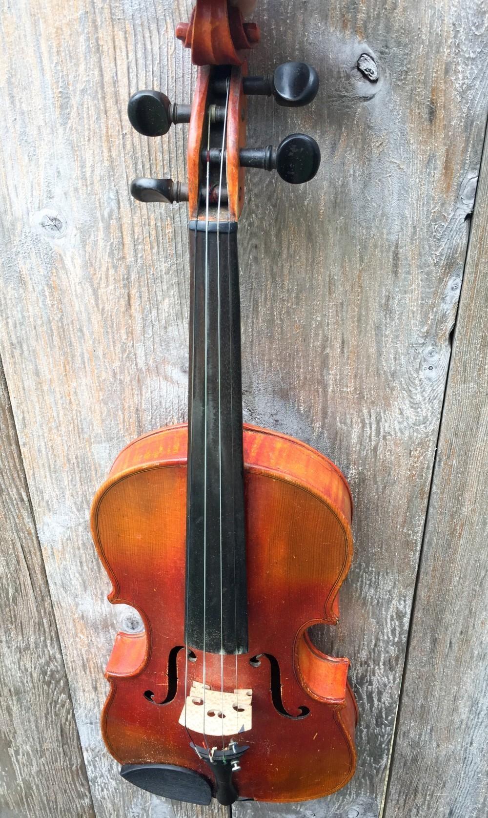 A fiddle