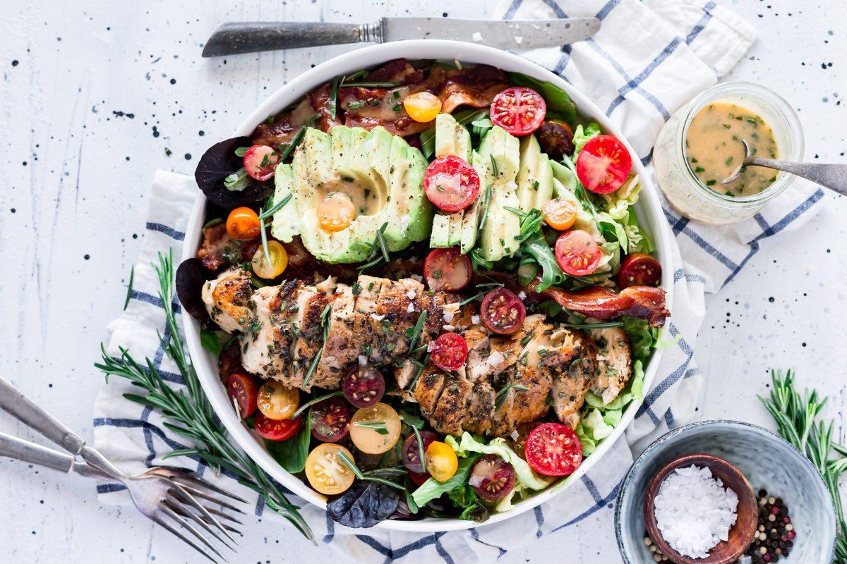 Delicious and healthy rosemary chicken bacon avocado salad