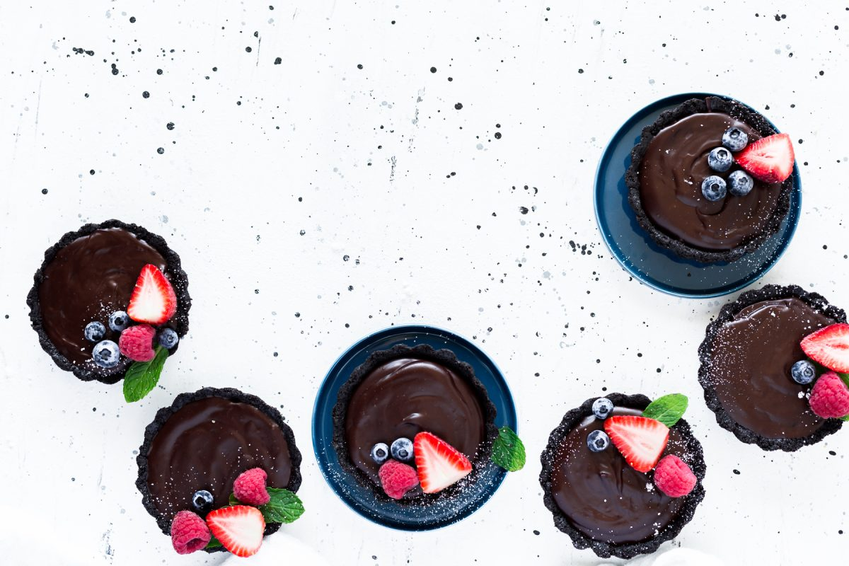 Mini No Bake Chocolate Tarts, easy to make and oh so delicious. The perfect treat