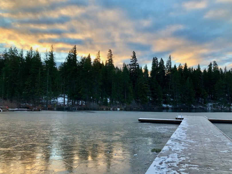 Suttle Lake Cabin getaway -Winter bucket list