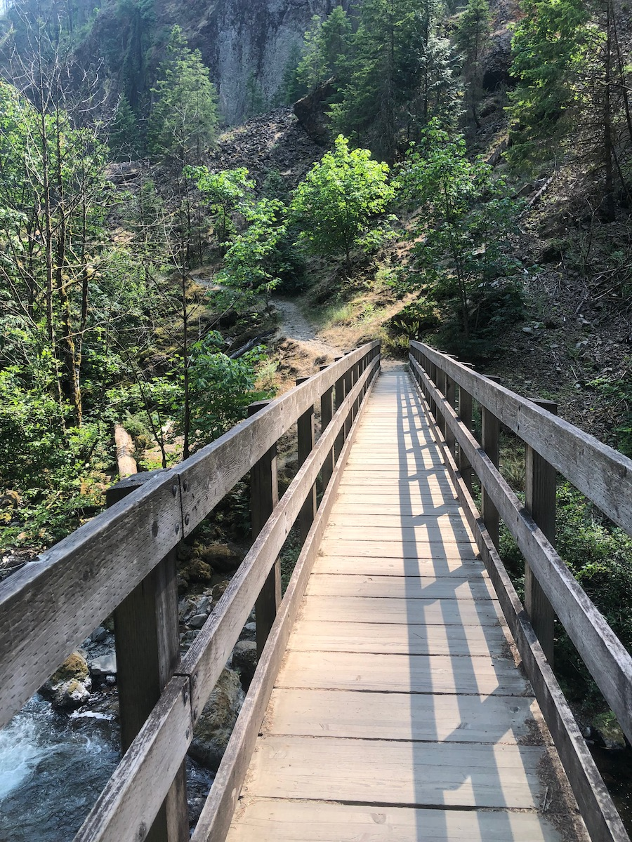 Wahclella falls bridge over Tanner Creek
