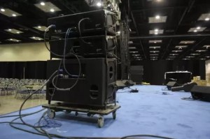Line Array Speaker Cabinets
