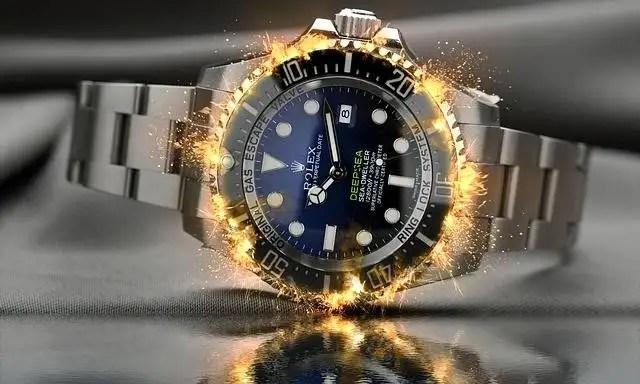 birthday gifts for him- 1. wrist watch