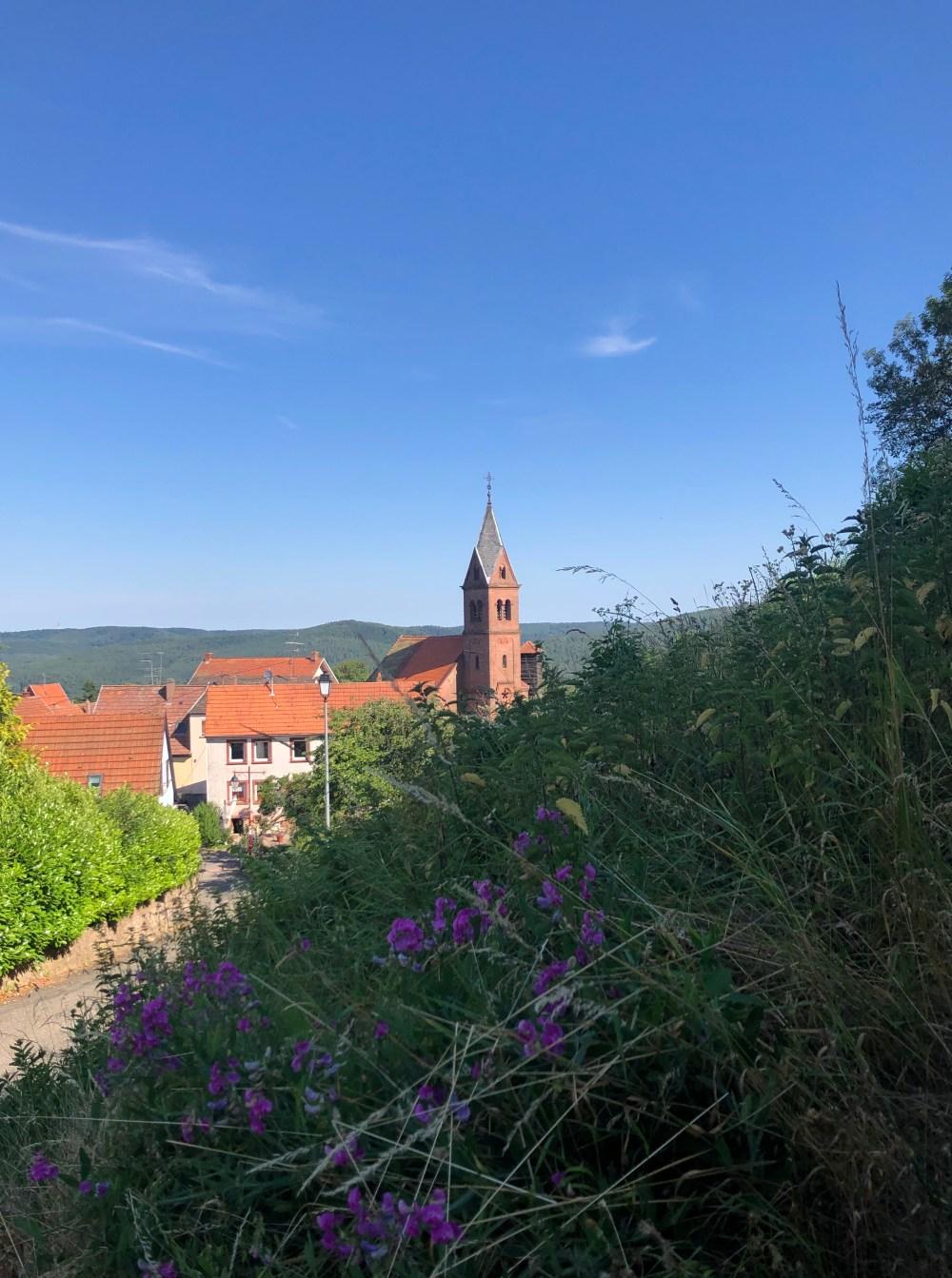 Kirche im Dorf von Lichtenberg