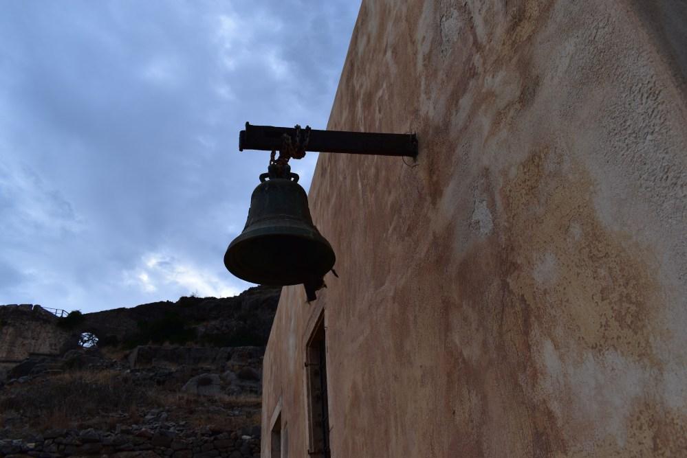 Glocke am Eingang der Kapelle