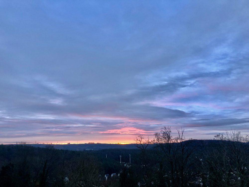 Sonnenaufgang im Morgengrauen