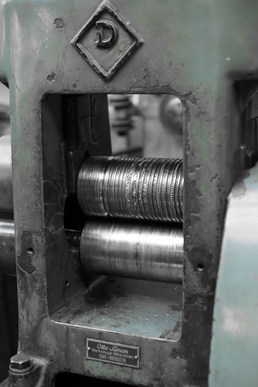 Türkisfarbene Werkzeug Maschine, mit selektiver Farbe fotografiert