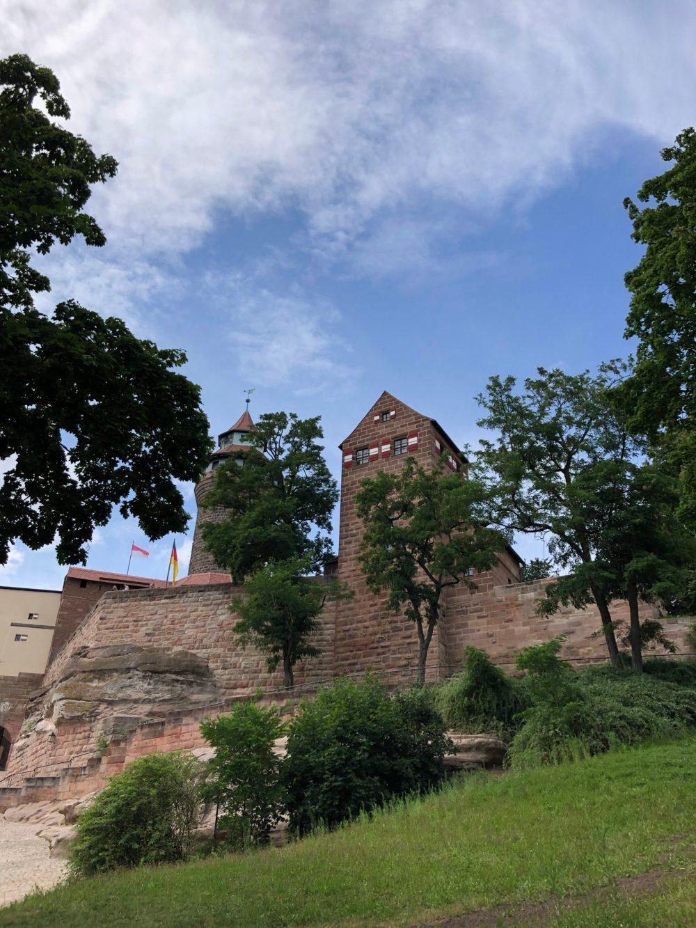 Kaiserburg in Nürnberg von unten fotografiert