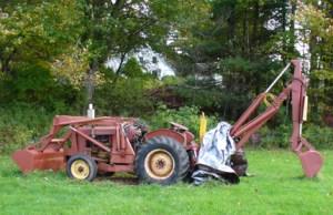 Help needed with INTERNATIONAL (gas) tractorbackhoe  Farmall & International Harvester (IHC