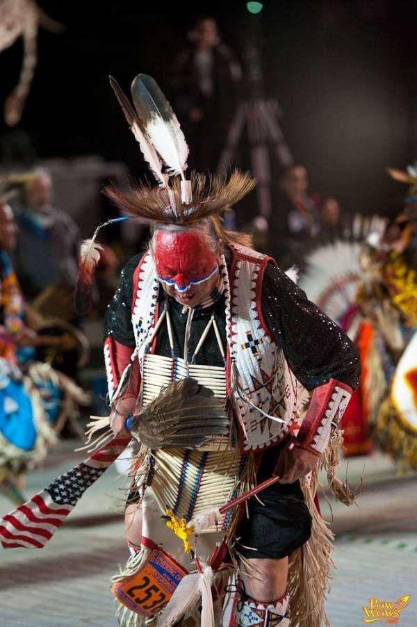 Northern Traditional Dancing - PowWows.com - Native ...
