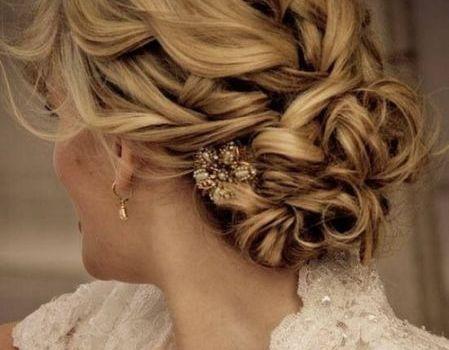 Hairstyle: Budi zvijezda maturske večeri