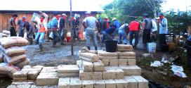 """""""Las niñas y los niños indígenas zapatistas, asisten a la escuela y clínica más cara del mundo"""",  EZLN"""