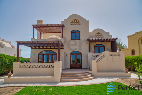 Nubian Villa for sale in EL Gouna with Specious garden
