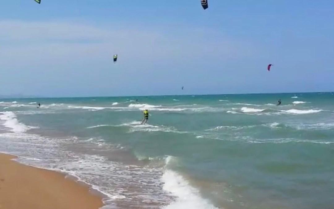 Els Populars sol·liciten de nou transparència sobre l'afecció del Pativel a Tavernes després de la prohibició de practicar l'esport del kitesurf