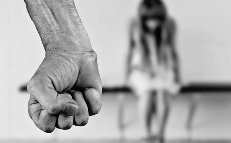 Detido homem por prática do crime de violência doméstica