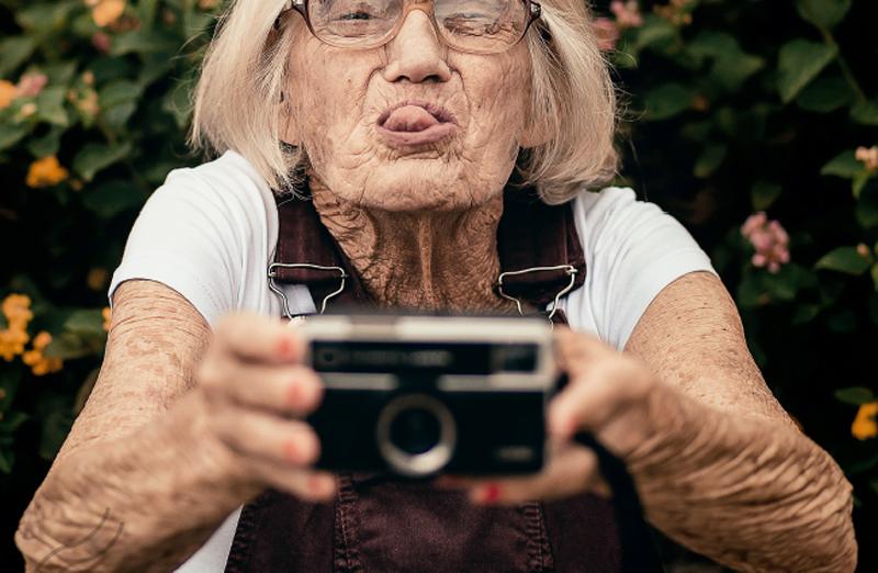 """Seniores desafiados a escrever """"A minha Vida dá uma história"""""""