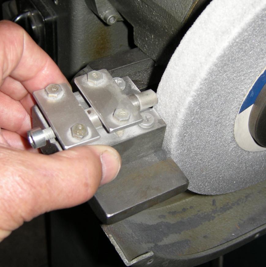 Bench Grinder Wheel Centering Eccentrity Problems