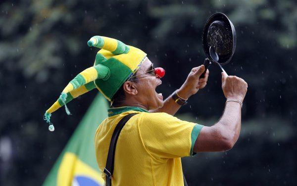 bater panela corrupção brasil