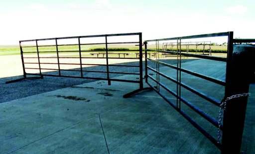 7-bar 20 ft heavy-duty freestanding livestock panel