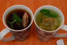 Zaliate čaje čakajú na vylúhovanie a ochutnávku