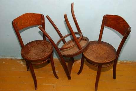 Stoličky pred renováciou