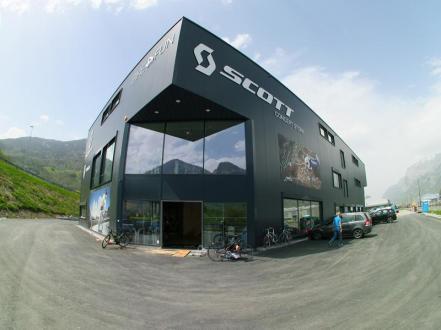Scott_Concept_Store_01