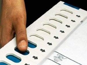 उप्र विस चुनाव : तीसरे चरण में छिटपुट घटनाओं के बीच 61. 16 प्रतिशत मतदान