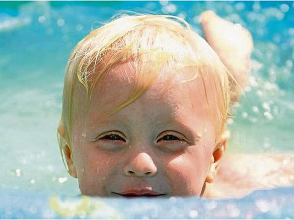 chlor-kinder-schwimmbad