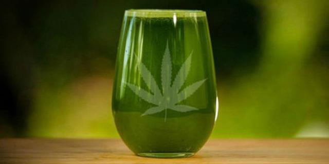 Die Courtneys: Botschafter der Heilkraft von rohem Cannabis (Videos)