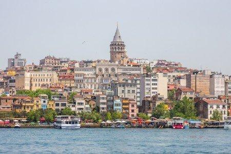 Гражданам России предложили расплачиваться в Турции рублями