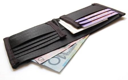 Seatbelt-Wallet