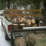 20012017133815_web_truck_with_wood