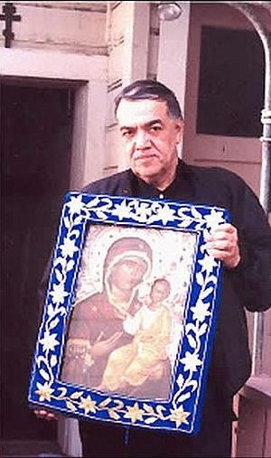 Br. Joseph (Jose Munoz-Cortes) with the myrrh-streaming Iveron Icon.