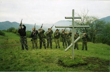 Поклонный крест на месте боя 6-ой роты