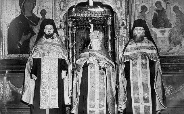 A celebration in the 1940's in the church of the Holy Trinity at the Trinity-St. Sergius Lavra with Hieromonk Denis (Chambault) of the Western Rite community in Paris