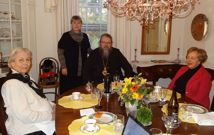 Thanksgiving Day: Metropolitan Jonah (Paffhausen), his mother (on the left), Olga Rozhneva (in the middle), Marilyn Swezey (on the right).