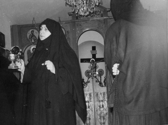 Eldress Macrina with the sisters.