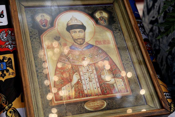 Мироточивая икона царя-страстотерпца