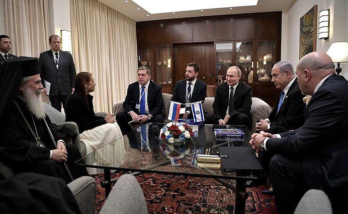 Патриарх Иерусалимский Феофил принял участие во встрече Владимира Путина с матерью осужденной в России гражданки Израиля