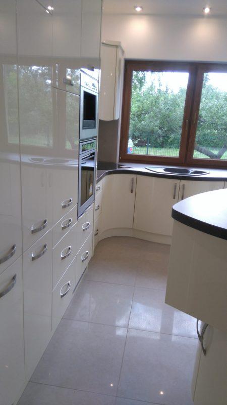 białe meble kuchenne Wieliczka