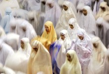 Should Women Cover Their Feet during Prayer at Home?