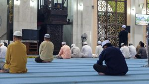 What Is the Ruling of Friday Prayer for a Traveler