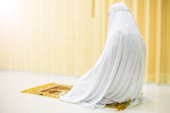 Women Congregation at Home, Same Reward as Mosque Congregation?