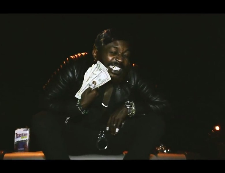 """Hashanni Dutxh Goes Crazy In The Night In """"Poptart"""" Visual"""